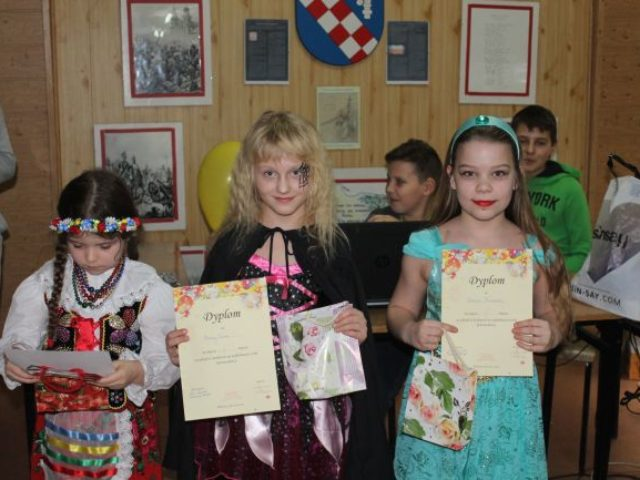 Karnawałowy bal przebierańców dla uczniów ze Szkoły Podstawowej w Wilkowicach
