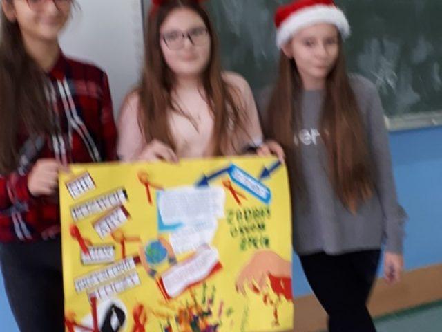 Co zrobić, by czuć się bezpiecznym?  Obchody Światowego Dnia AIDS w Szkole Podstawowej w Wilkowicach.